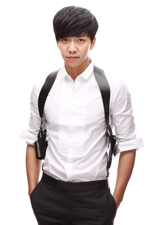 Lee Seung Gi bị tai nạn nghiêm trọng ở mắt trong khi quay phim