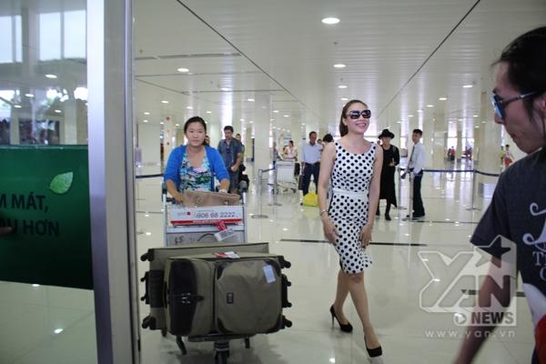 Mỹ Tâm gây tắc nghẽn tại sân bay Tân Sơn Nhất - Tin sao Viet - Tin tuc sao Viet - Scandal sao Viet - Tin tuc cua Sao - Tin cua Sao