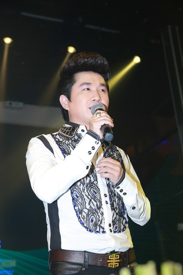 """Quang Hà """"quậy hết mình"""" với Bằng Cường trên sân khấu Thủ đô - Tin sao Viet - Tin tuc sao Viet - Scandal sao Viet - Tin tuc cua Sao - Tin cua Sao"""