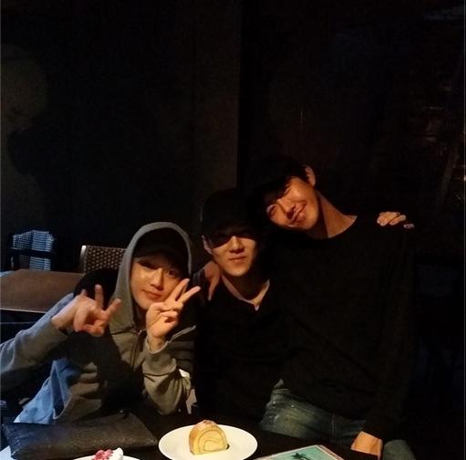 Sehun đăng hình chụp hình Kwanghee
