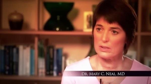 \ Mary đang kể lại câu chuyện của mình.
