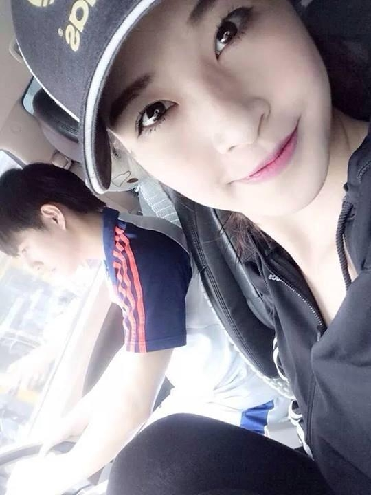 [Mlog Sao] Đông Nhi hớn hở được fanboy đưa đi chơi, Chi Pu dọa bẻ răng bạn trai