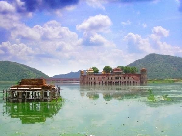 [Bạn biết chưa] Khám phá 6 hồ nước kỳ lạ, độc đáo nhất thế giới