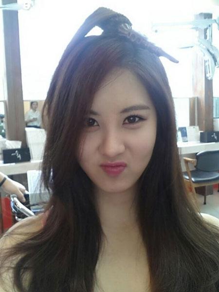 """Seohyun khoe hình tóc dài """"trấn an"""" fan: """"Chúc các bạn một ngày tốt lành. Mình đã quay lại với tóc dài rồi nè"""""""