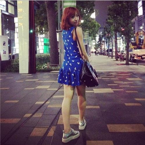 Minzy khoe dáng chuẩn giữa đường phố Tokyo