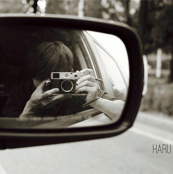 Donghae khoe hình nghệ thuật khi chụp thông qua kính chiếu hậu xe hơi