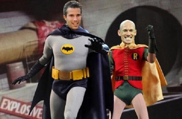 """Batman"" Van Persie và ""Robin"" Robben"