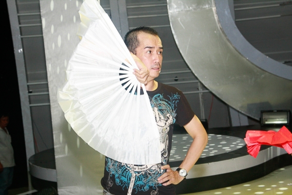 Trong đó, Minh Thuận sẽ tiếp tục phát huy thế mạnh về diễn xuất và giả giọng miền Bắc với sự hóa thân thành NSUT Xuân Hinh