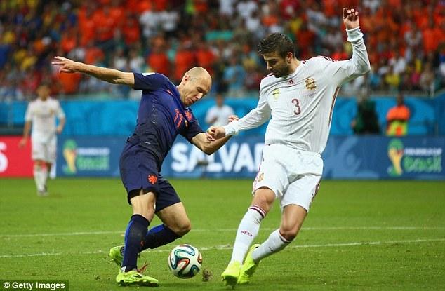 FIFA đã vào cuộc điều tra xem nguyên nhân là từ đâu