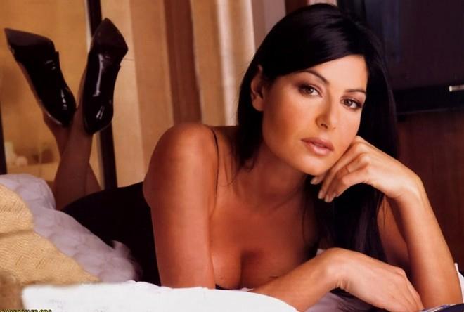 Nữ phóng viên gợi tình Ilaria D'Amico – người được xem là nguyên nhân dẫn tới cuộc hôn nhân đổ vỡ của Buffon.