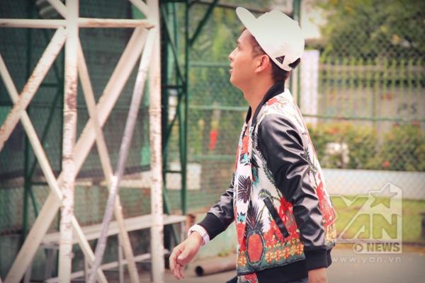 Ngoài ra Hồ Quang Hiếu cũng gửi đến album lần này là các ca khúc khác như Qua đi lặng lẽ (Phan Mạnh Quỳnh), Con xin sám hối (Vũ Ngọc Toản) - Tin sao Viet - Tin tuc sao Viet - Scandal sao Viet - Tin tuc cua Sao - Tin cua Sao