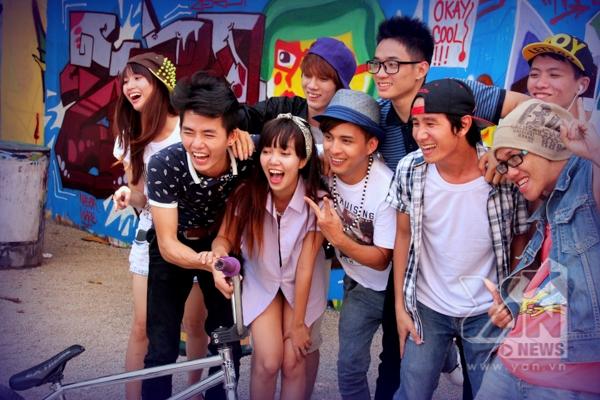 """Với MV """"Làm những gì mình thích"""", Hồ Quang Hiếu mang đến những khán giả vốn đã quen thuộc với hình ảnh lịch lãm của anh trong những MV trước đây bằng một sự bất ngờ - Tin sao Viet - Tin tuc sao Viet - Scandal sao Viet - Tin tuc cua Sao - Tin cua Sao"""