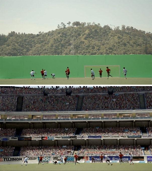 Sân vận động chật kín người xem thật ra là những bức phông nền xanh