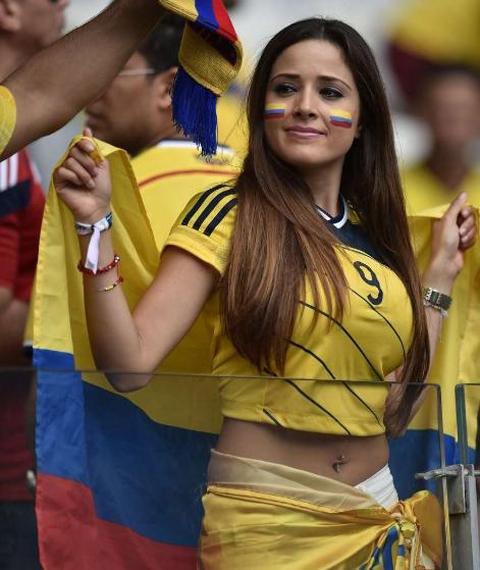 Gương mặt xinh đẹp của CĐV Colombia