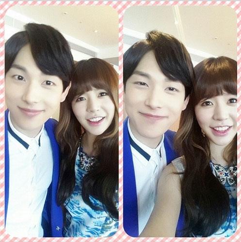 """Sunny khoe hình """"trễ"""" cùng Siwan khi cả hai tham gia lồng tiếng trong bộ phim hoạt hình Rio2"""