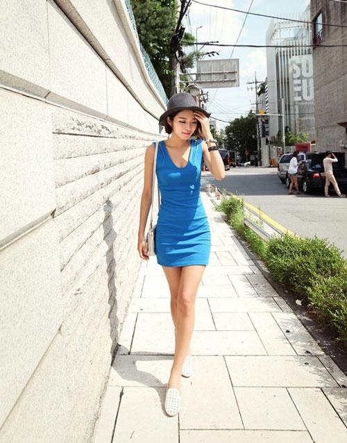 Những chiếc mũ không chỉ để che chắn mà còn là phụ kiện đắc lực cho trang phục đẹp mắt hơn.