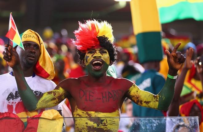 Một phục trang thổ dân của CĐV Ghana. Một phong cách rất châu Phi.