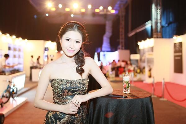 Khắc Việt lịch lãm dự sự kiện cùng vợ chồng Đăng Khôi - Tin sao Viet - Tin tuc sao Viet - Scandal sao Viet - Tin tuc cua Sao - Tin cua Sao