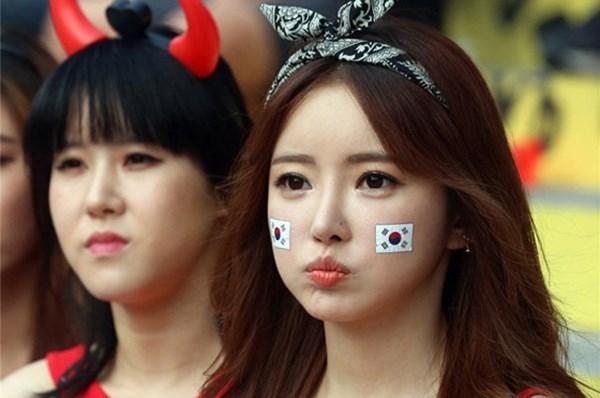 [Bóng Đá] Mòn con mắt với vẻ đẹp của CĐV Hàn Quốc