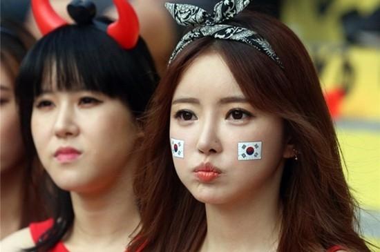 Vẻ đẹp quyến rũ của các fan nữ Hàn Quốc.
