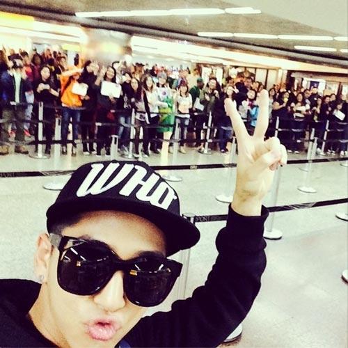 Baro (B1A4) cập nhật cho fan rằng anh đã đến Brazil