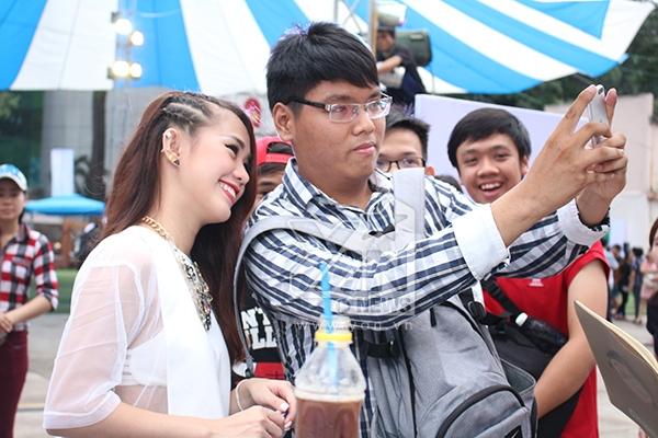 Cường Seven tán tỉnh Ngọc Thảo, Chi Pu tạo hứng khởi cho Gil Lê