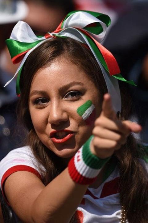 Giây phút lo lắng khi đội nhà bị Argentina dồn ép tới nghẹt thở