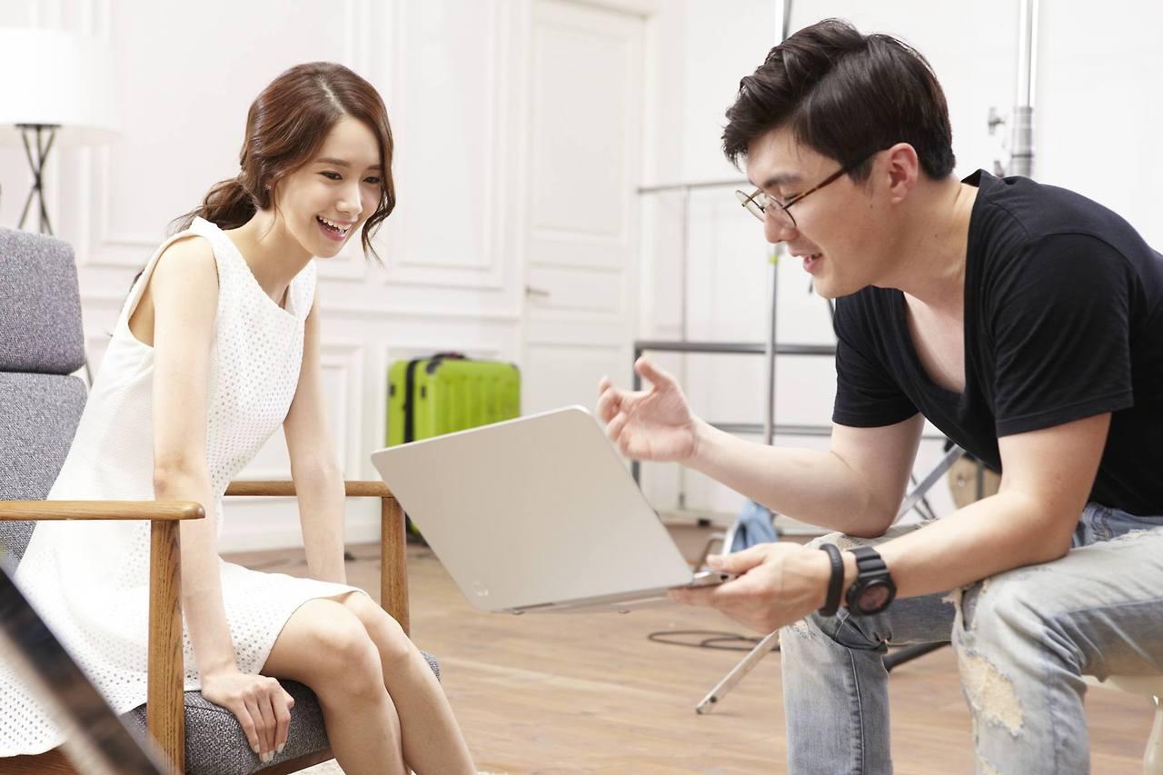 Yoona đẹp không tì vết trong hậu trường quảng cáo