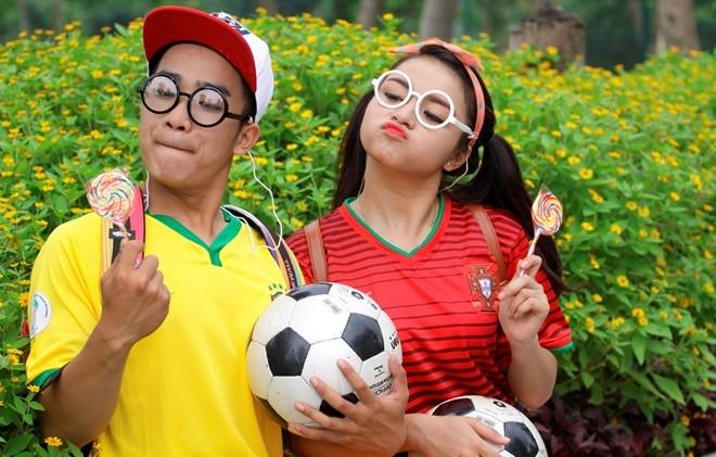 Bóng đá là môn thể thao vua, trẻ con không nằm ngoài niềm yêu thích này. Duy Nam được cộng đồng mạng biết đến qua những clip nhạc chế Suynghĩ trong anh, Đời nghệ sĩ, Mảnh ghép vùng cao...