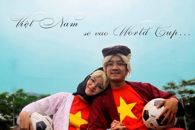 """"""" World Cup là ước vọng của nhiều quốc gia trên thế giới, niềm vui của chúng tôi sẽ nhân lên gấp bội nếu có một ngày Việt Nam sẽ được tham dự"""" – là mong muốn của cặp đôi khi thực hiện bộ ảnh này."""