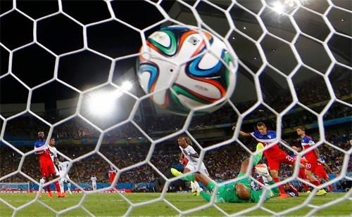 Số bàn thắng ở giải năm nay tăng đến 40% so với cùng kỳ giải trước ở Nam Phi 2010. Ảnh: AFP.