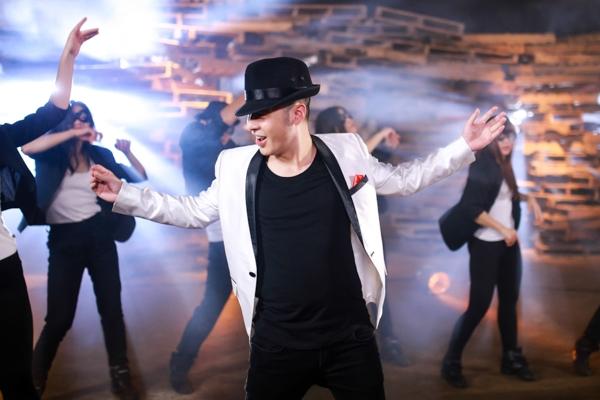 Hoàng Hải và Phương Vy khoe vũ đạo trong bản hit của Michael Jackson - Tin sao Viet - Tin tuc sao Viet - Scandal sao Viet - Tin tuc cua Sao - Tin cua Sao
