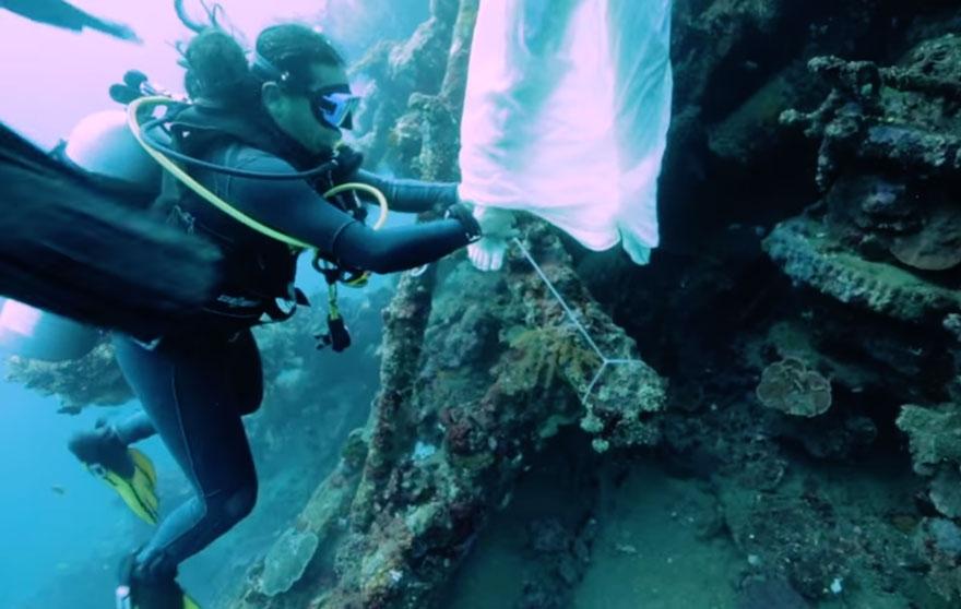 """Những bức ảnh chụp dưới biển đẹp """"nghẹt thở"""""""