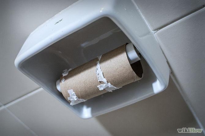 """10 tuyệt chiêu """"chữa cháy"""" khi đi vệ sinh bất ngờ… hết giấy"""