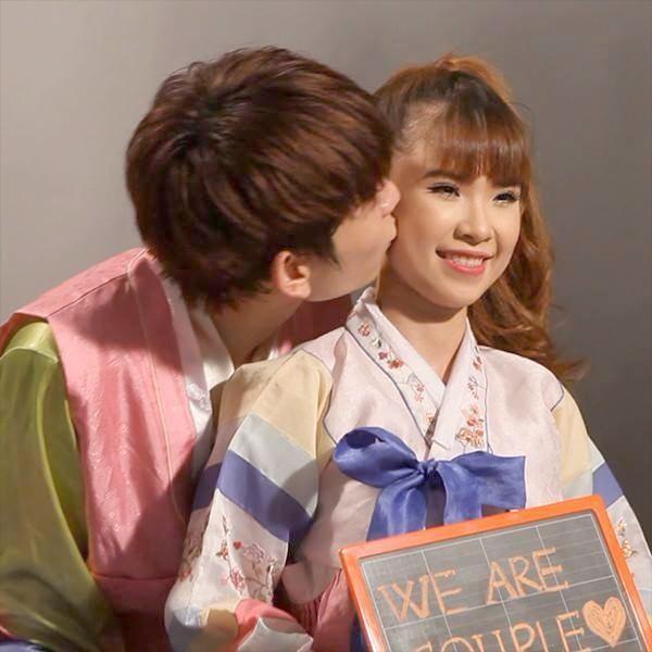 Huy Khánh không ngại hôn vào má Khởi My trong một gameshow - Tin sao Viet - Tin tuc sao Viet - Scandal sao Viet - Tin tuc cua Sao - Tin cua Sao