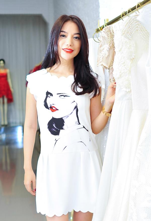 Đêm nay, 17, diễn viên – hoa hậu Trương Ngọc Ánh sẽ lên đường tới thành phố Saint Malo, tham dự Liên hoan phim Việt Nam tại Pháp. - Tin sao Viet - Tin tuc sao Viet - Scandal sao Viet - Tin tuc cua Sao - Tin cua Sao