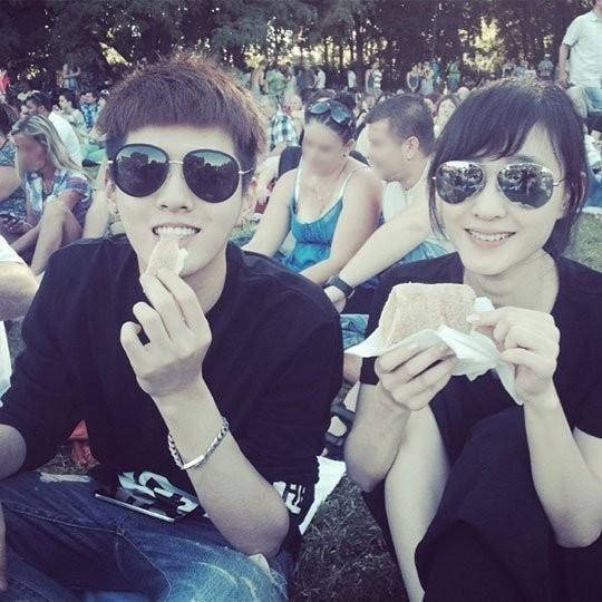 Kris và nữ diễn viên Vương Lệ Khôn