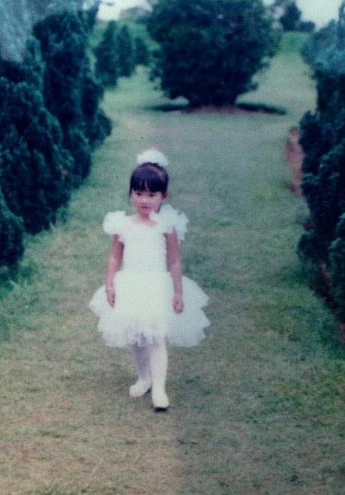 Khởi My: Tuổi thơ vất vả, mượn áo bạn để đi thi hát - Tin sao Viet - Tin tuc sao Viet - Scandal sao Viet - Tin tuc cua Sao - Tin cua Sao