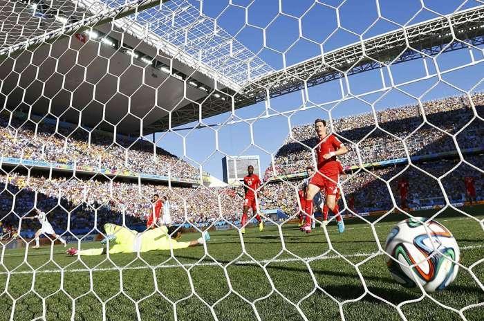 Số bàn thắng ở giải năm nay tăng cao chưa từng thấy. Ảnh: Reuters.
