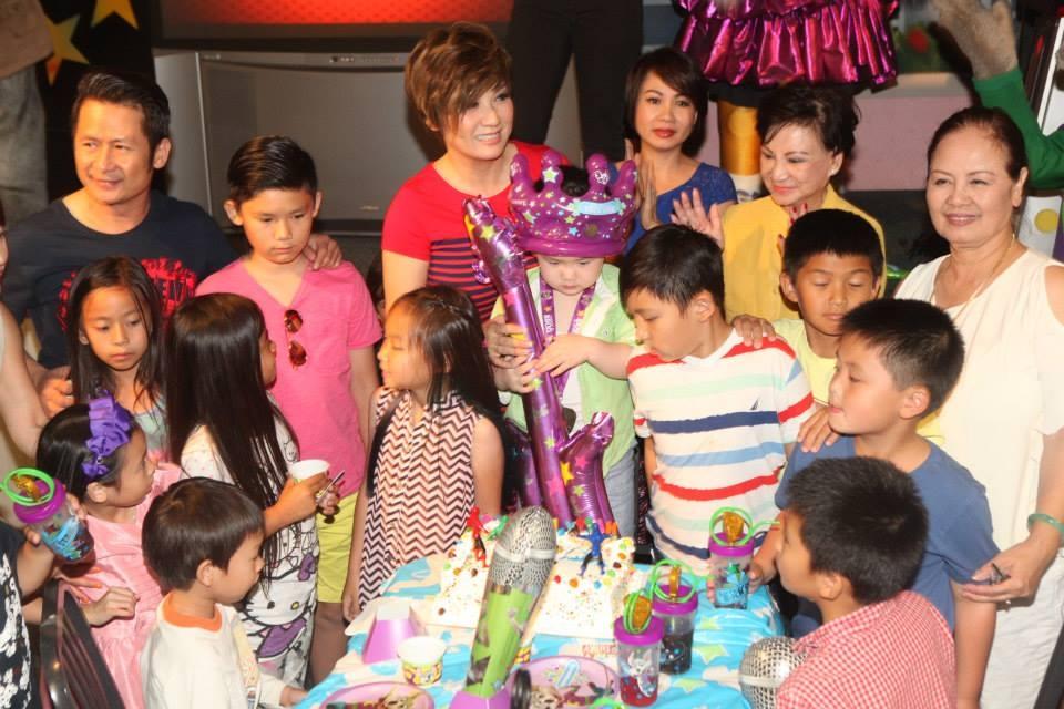 Bằng Kiều cùng vợ cũ tổ chức sinh nhật cho con trai út - Tin sao Viet - Tin tuc sao Viet - Scandal sao Viet - Tin tuc cua Sao - Tin cua Sao