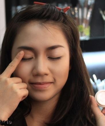 Ưu và khuyết điểm của các loại sáp mắt các nàng không nên bỏ qua