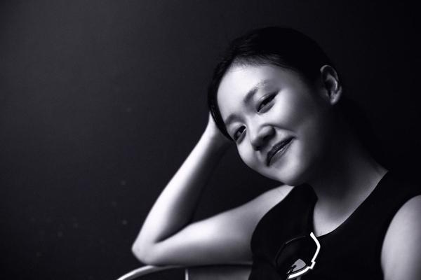Văn Mai Hương tỏ ra ưng ý với hình ảnh mới của mình. Cô cho rằng, những bộ ảnh đời thường luôn mang đến cảm xúc ngọt ngào, đáng yêu. - Tin sao Viet - Tin tuc sao Viet - Scandal sao Viet - Tin tuc cua Sao - Tin cua Sao