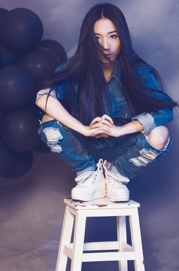 Nữ ca sỹ cũng dự định sẽ thực hiện MV bài hát này, qua đó giới thiệu đến khán giả hình ảnh mới của mình – một Hằng Bing Boong năng động và trẻ trung.