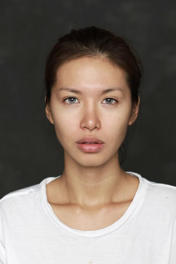 Siêu mẫu Minh Tú đẹp quyến rũ khi hoá trang thành Angelina Joli