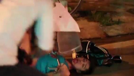 Vì hấp tấp vượt đèn đỏ, Thủy Tinh đã bị tai nạn.