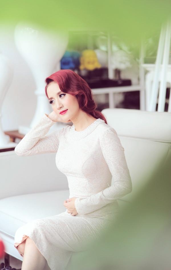 Khánh Thi đã trở thành một nghệ sỹ được nhiều người biết đến và là một gương mặt xuất hiện thường xuyên trên báo chí, trong các sự kiện.