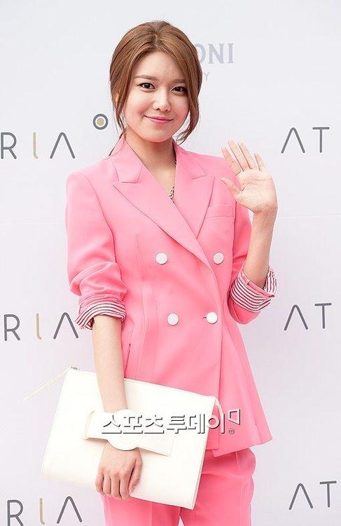 Sooyoung thanh lịch khoe dáng chuẩn trong sự kiện