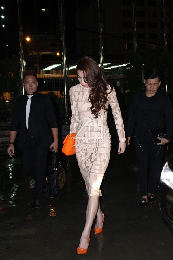 Hồ Ngọc Hà cũng xuất hiện trong vai trò khách mời của chương trình. - Tin sao Viet - Tin tuc sao Viet - Scandal sao Viet - Tin tuc cua Sao - Tin cua Sao