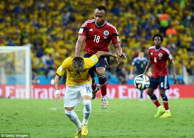 Zuniga đã biến anh trở thành kẻ thù của CĐV Brazil