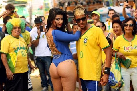 Một anh chàng giả ngoại hình giống Neymar cũng đủ khiến nhiều người quan tâm